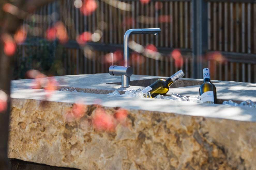 Die Gartenküche aus Stein, WADO14 Spüe- und Eisbecken